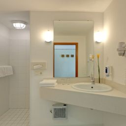 Bathroom TRYP Kongresshotel