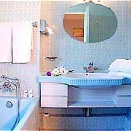 Bathroom Caravelle