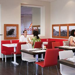Breakfast room within restaurant ibis Zurich Messe-Airport
