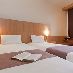 Room ibis Zurich Messe Airport