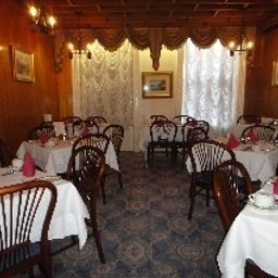 Breakfast room within restaurant Dergvale