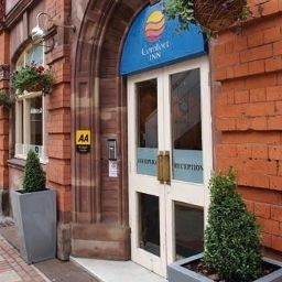 Фасад Comfort Inn City Centre Birmingham