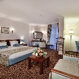 Suite Best Western Plus Khan Hotel