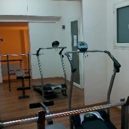 Fitness room Touring