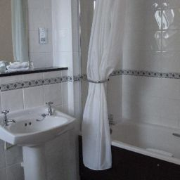 Bathroom Menzies Hotel Birmingham Stourport Manor