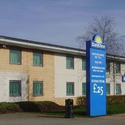 Exterior view Days Inn Cannock (Norton Canes M6 Toll)