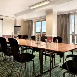 Conference room Hilton Dartford Bridge
