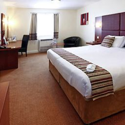 Camera Mercure Swindon South Marston Hotel and Spa