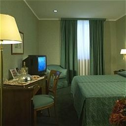 Room Ramada Naples Hotel