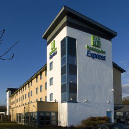 Exterior view JCT.16 Holiday Inn Express SWINDON - WEST M4