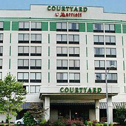 Фасад Courtyard Secaucus Meadowlands