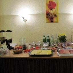 Буфет Zur Rose Hotelpension