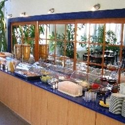 Buffet Transit Loft Internationales Jugendhotel