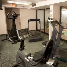Sala fitness QUALITY INN & SUITES P.E. Trudeau Airport