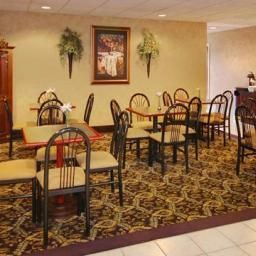 Restaurant Comfort Suites Airport Fotos