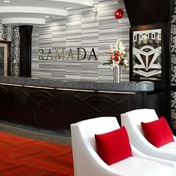 Hall Ramada Inn and Suites Downtown