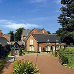 Фасад A Marriott Hotel & Country Club Worsley Park
