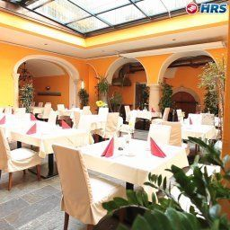 Breakfast room within restaurant Hotel zum Dom Palais Inzaghi