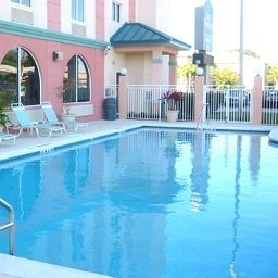 Pool Best Western Airport Inn & Suites