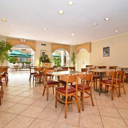 Restaurante Comfort Suites Mission Valley SeaWorld Area