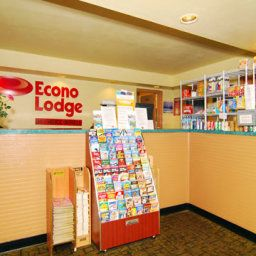 Hall Econo Lodge  Inn & Suites Maingate Central
