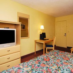 Chambre Econo Lodge  Inn & Suites Maingate Central