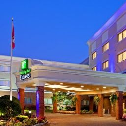 Vista exterior Holiday Inn Express ALBANY WESTERN AVE UNIVERSITY