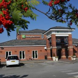 Фасад Holiday Inn Express MANCHESTER - EAST
