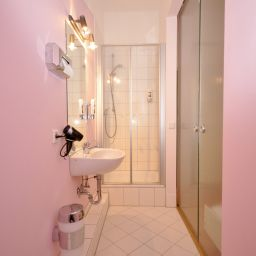 Bathroom Apadana