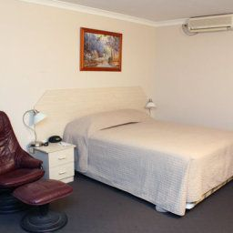 Room Quality Inn Railway