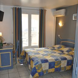 Room with terrace Les Palmiers