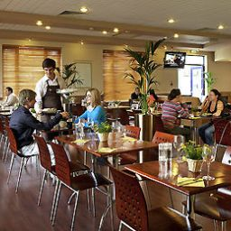 Breakfast room within restaurant ibis Rugby East