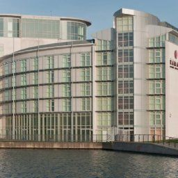 Vista exterior Ramada Hotel and Suites London Docklands