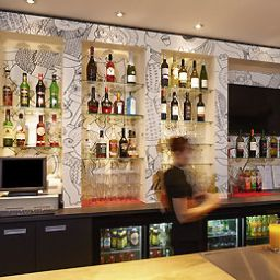 Bar ibis London Thurrock M25