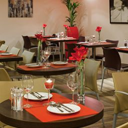 Breakfast room within restaurant ibis Glasgow City Centre