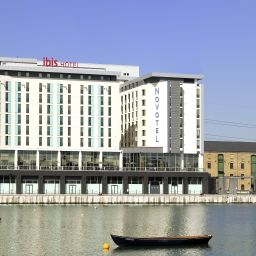 Exterior view ibis London Excel Docklands