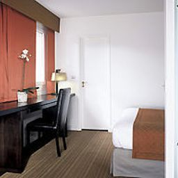 Room Hotel Paris Neuilly