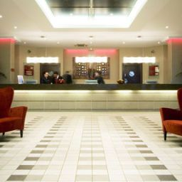 Холл Crowne Plaza LONDON - GATWICK AIRPORT