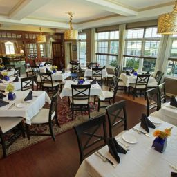 Restaurant BEST WESTERN PLUS Lawnfield Inn & Suites