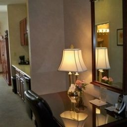 Suite BEST WESTERN PLUS Lawnfield Inn & Suites