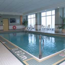 Piscine Hampton Inn  Suites by Hilton Toronto Airport