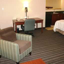 Suite Hampton Inn  Suites by Hilton Toronto Airport