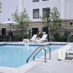 Pool NJ Hampton Inn Linden