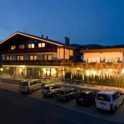 Garni RUSTIKA - Hotel Pension & Appartements