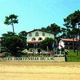 Exterior view Les Hortensias du Lac Chateaux et Hotels Collection Fotos