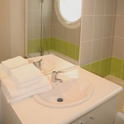 Camera da bagno Nemea Nancy Appart'hotel