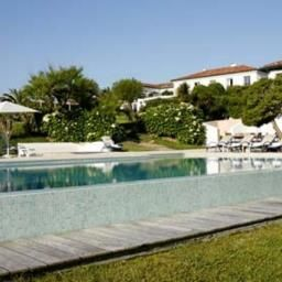 Pool La Reserve Chateaux et Hotels Collection