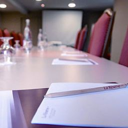 Conference room La Reserve Chateaux et Hotels Collection