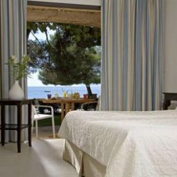 Room La Pinede Plage Chateaux et Hotels Collection