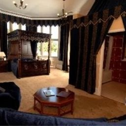 Suite Walworth Castle